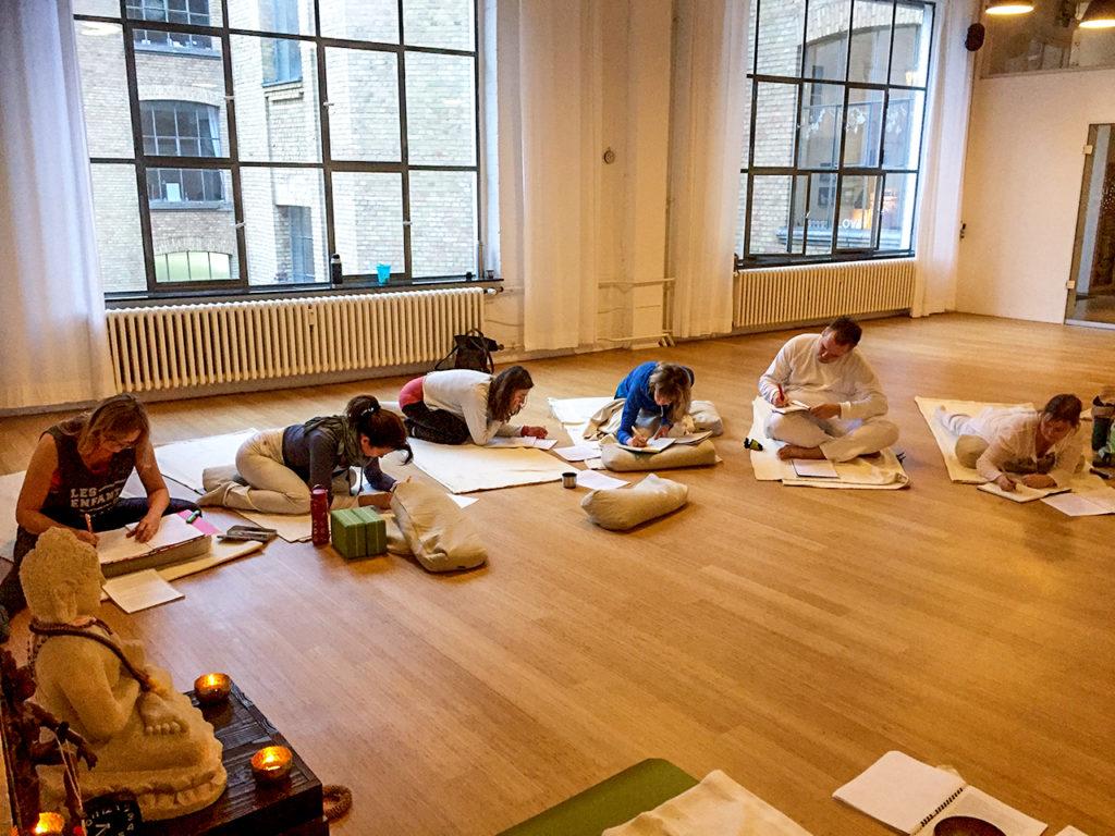 Vira Drotbohm Yoga Ausbildungen und Intensivseminare
